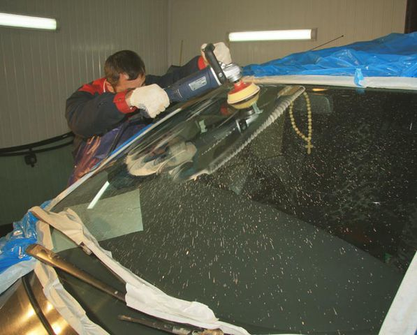 Материалы для полировки лобового стекла автомобиля